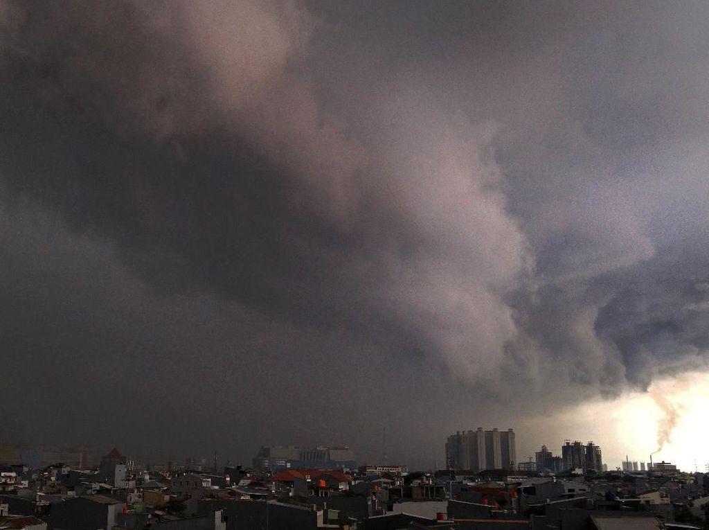 BMKG Beri Peringatan Dini Cuaca Ekstrem 3 Hari ke Depan