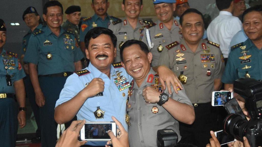 Potret Panglima TNI-Kapolri Barengan Terus, Kompak Banget!