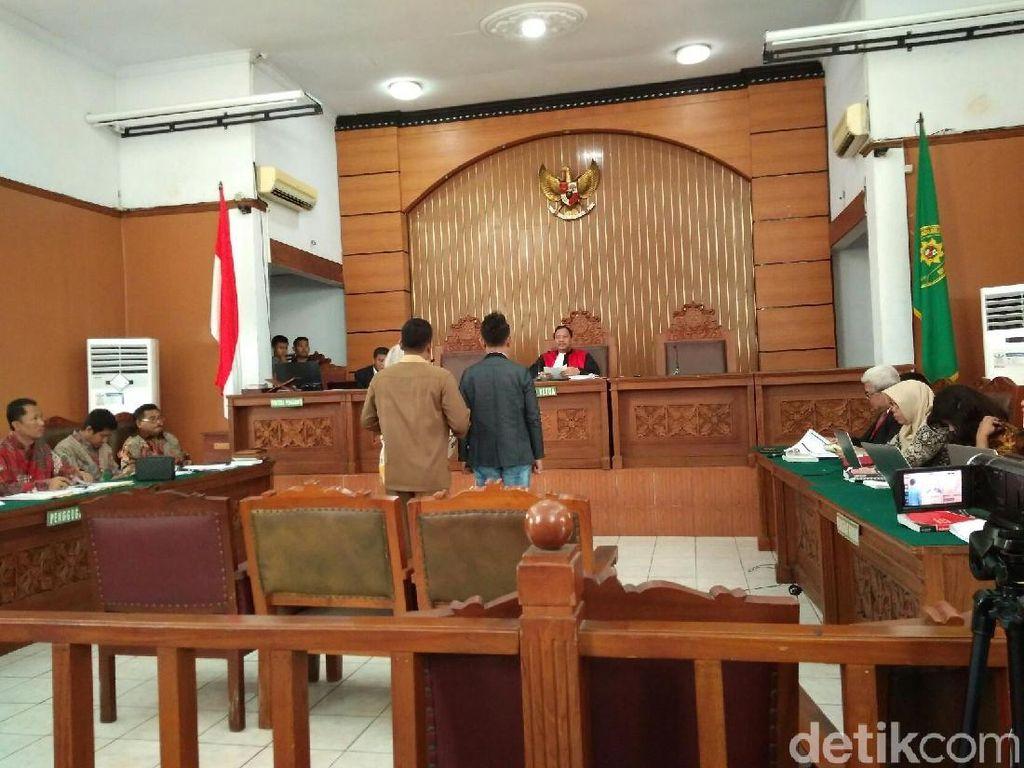 Serahkan Kesimpulan, KPK Minta Praperadilan Novanto Digugurkan