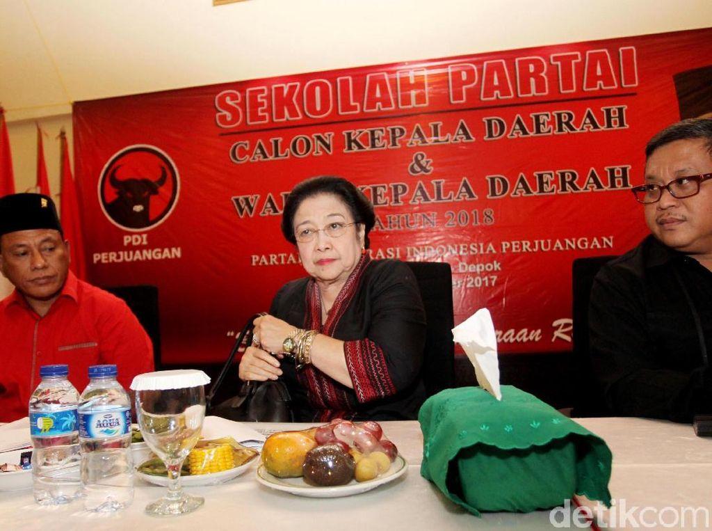 Tonton Siaran Langsung di TV, Megawati Puji Pertemuan Jokowi-Prabowo