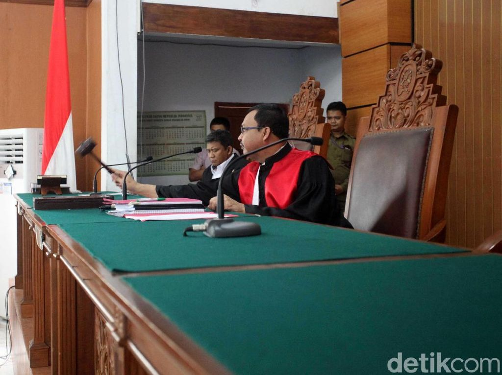 Terima Praperadilan Gugur, Pengacara Novanto: Aturan Memang Begitu