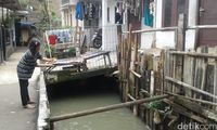 Melihat Kondisi Kali Pulo di Jatipadang Jakarta Selatan