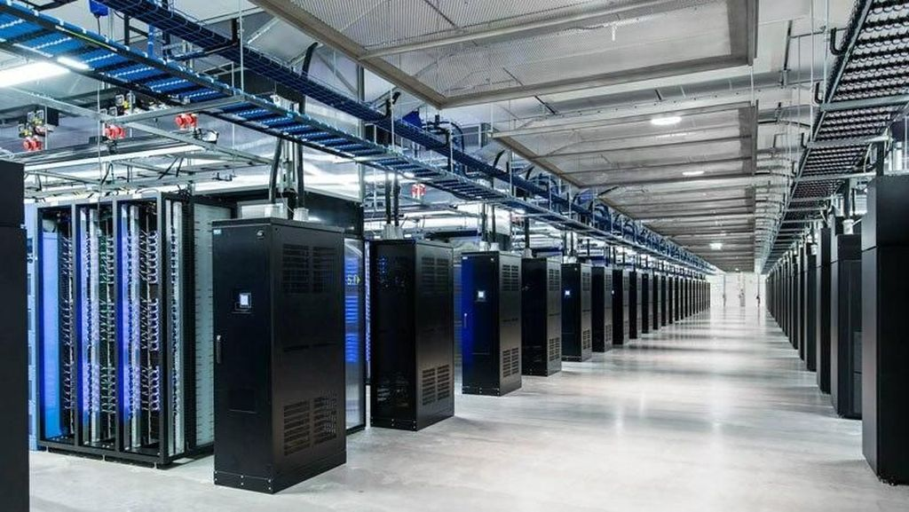 Di Data Center Raksasa Ini Foto Narsis Facebook Disimpan