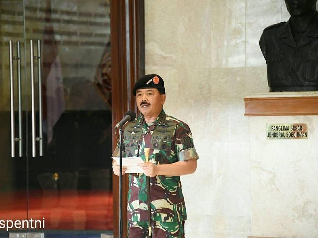 Foto: Momen Marsekal Hadi Tjahjanto Berseragam Loreng