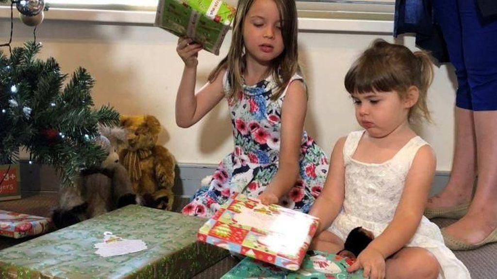 Sekitar 1,6 Juta Orang Tua Australia Akan Kesulitan Beli Hadiah Natal