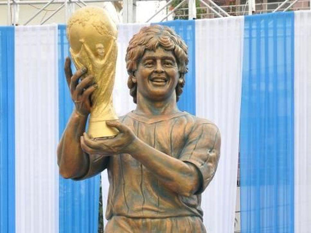 Patung-patung Aneh di Dunia Olahraga: Ada Ronaldo, Juga Maradona