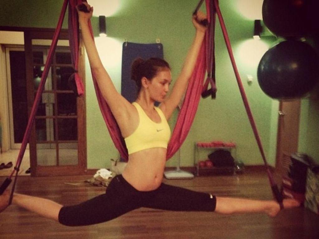 Foto: Gaya Seksi Luna Maya yang Lagi Olahraga Pilates