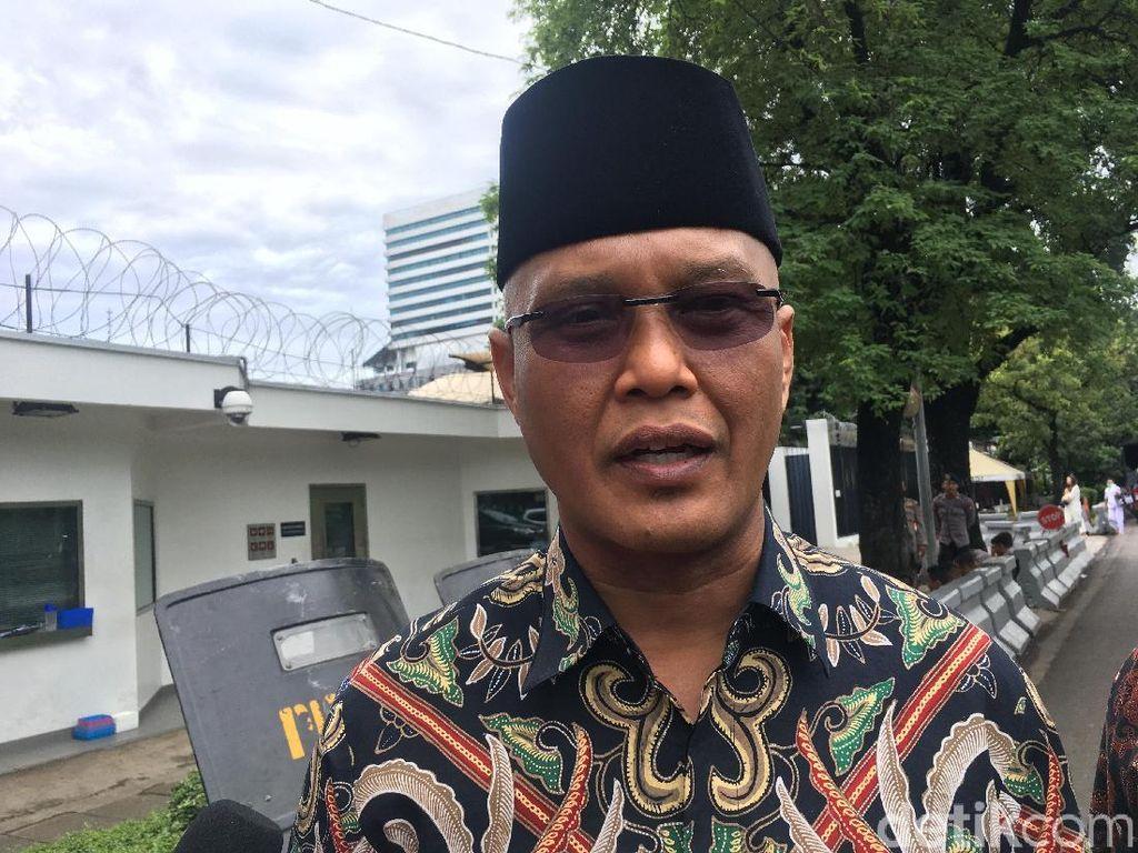 PKS Sindir Denwalsus Menhan Prabowo: Lebih Baik Kawal Guru di Pedalaman!