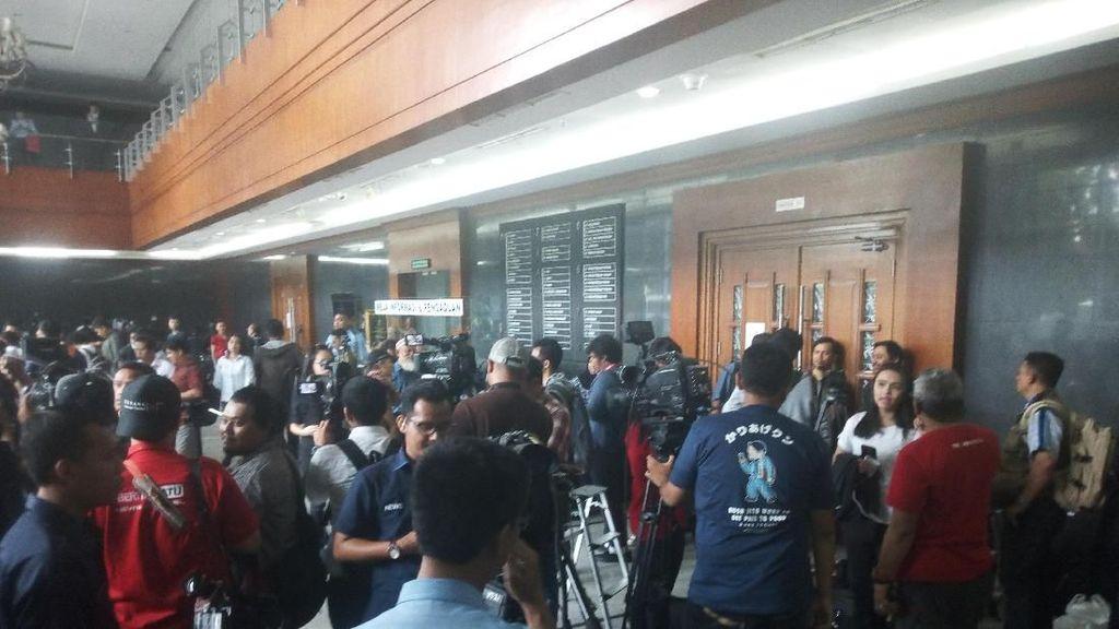 Foto: Suasana Detik-detik Sidang Perdana Setya Novanto