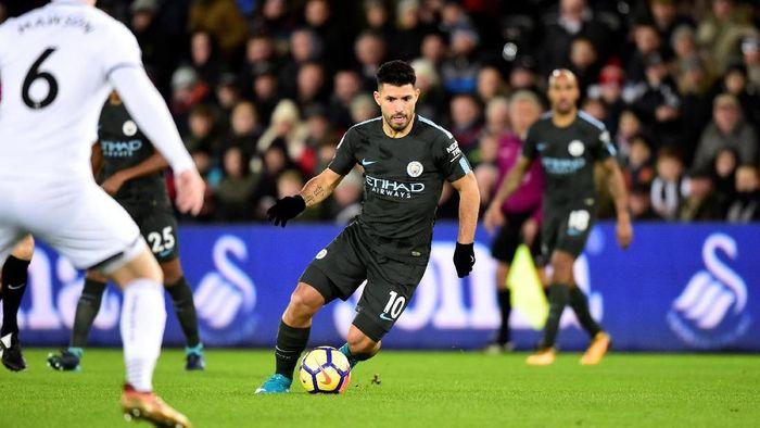 Bertandang ke Liberty Stadium, Kamis (14/12/2017) dinihari WIB, City kembali diperkuat Sergio Aguero yang tak bermain di derby Manchester akhir pekan lalu. (Foto: Rebecca Naden/REUTERS)