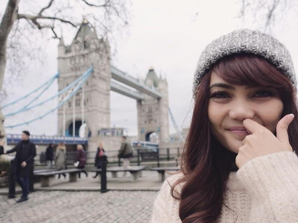 Rina Nose Luncurkan Aplikasi Pribadi untuk Interaksi dengan Fans