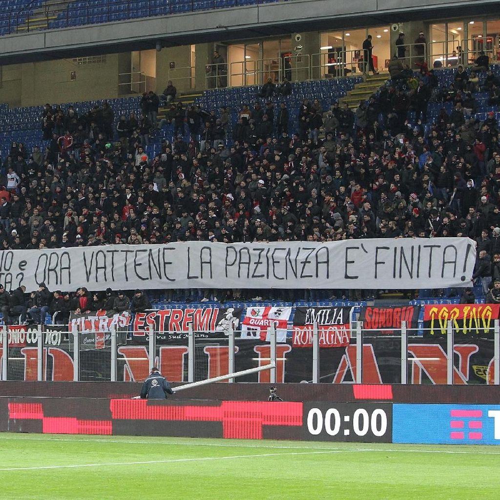 Donnarumma Diserang Suporter Milan