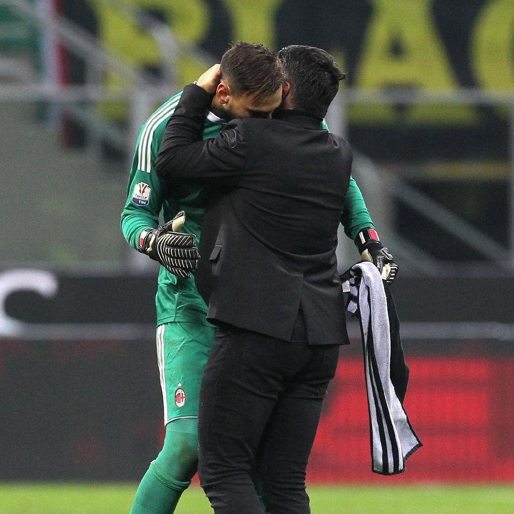 Dicaci Fans Milan Jadi Malam yang Buruk untuk Donnarumma