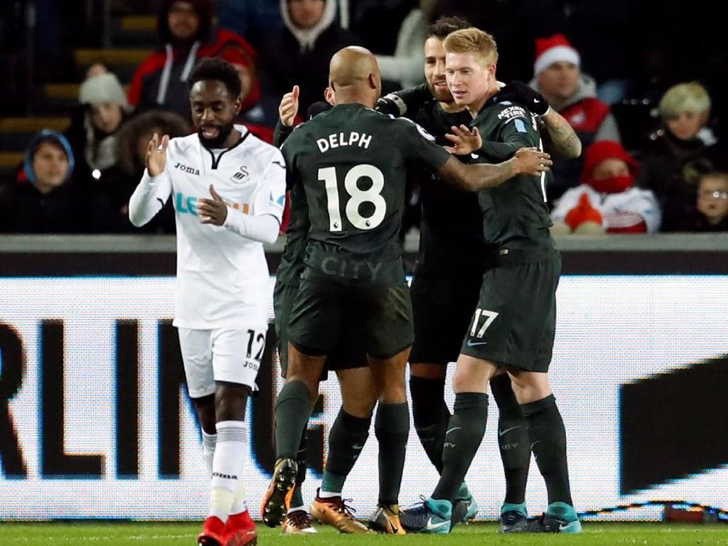Turun Minum, City Unggul 2-0 atas Swansea