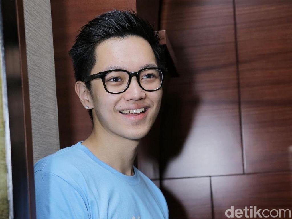 Pakai Anting, Brandon Salim Juga Ingin Berjenggot