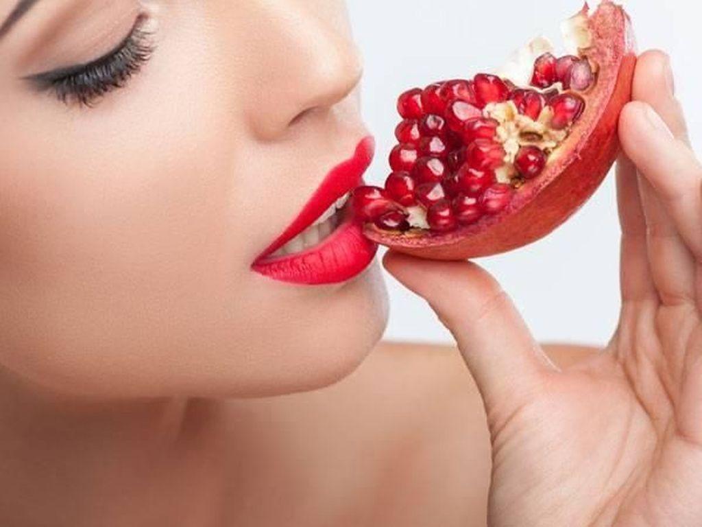 Agar Kulit Tak Cepat Keriput, Rutinlah Konsumsi 5 Buah Kaya Nutrisi Ini