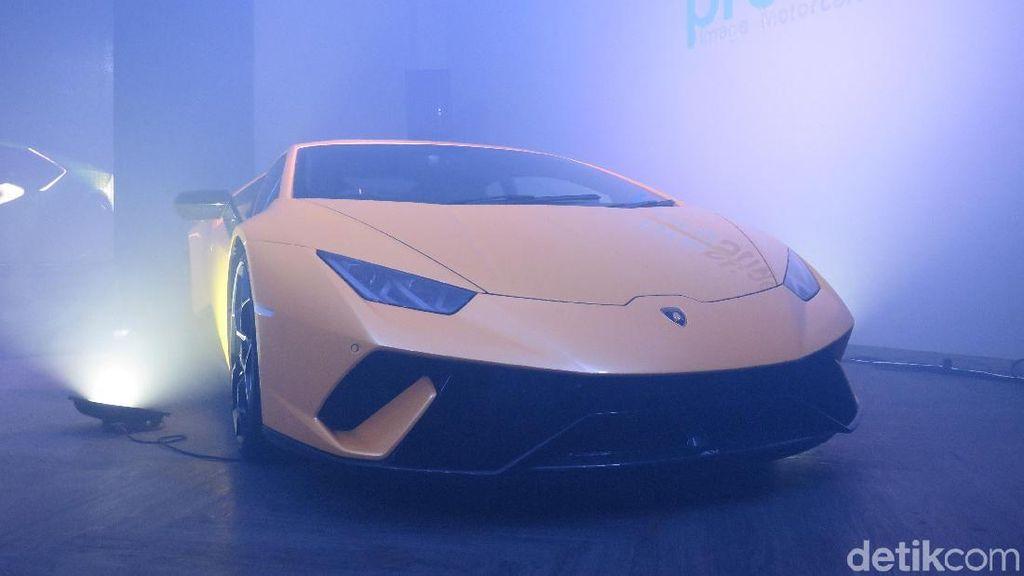 Akhir Tahun, 2 Mobil Super Mahal Meluncur di Jakarta