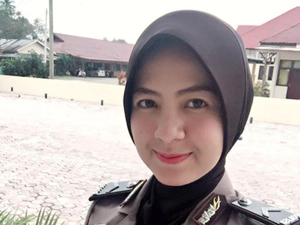 Foto: Gaya Polwan Cantik Berhijab dari Indonesia & 4 Negara Lain