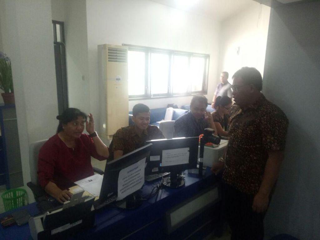 Asyik, Imigrasi Surabaya Layani Pengurusan e-Paspor di Hari Sabtu
