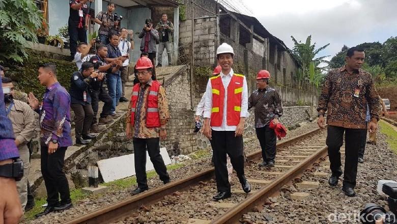 Jokowi: Tol Bocimi 18 Tahun Mangkrak, Maju Semeter Aja Enggak!
