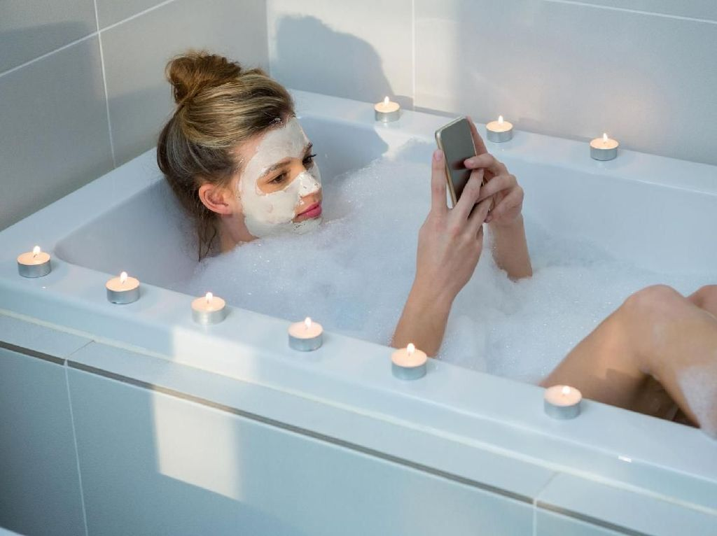 Bathtub Masa Kini Makin Canggih, Bisa Mandi Sekalian Pijat