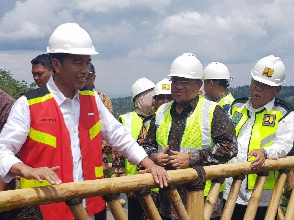 Jokowi Minta Anies-Sandi Pelihara Waduk di DKI untuk Atasi Banjir