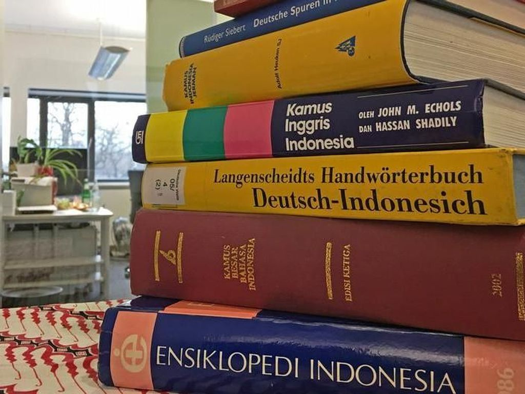 Jokowi Bedakan Mudik dan Pulang Kampung, Ivan Lanin: Kamus Sudah Mati