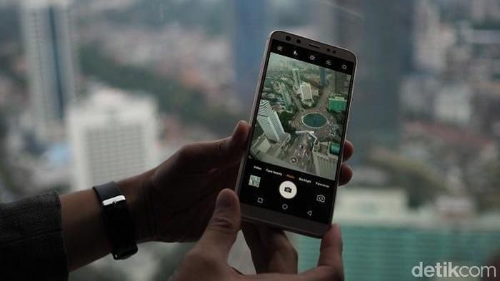 Ponsel Luna G8 Meluncur, Dipersenjatai Empat Kamera