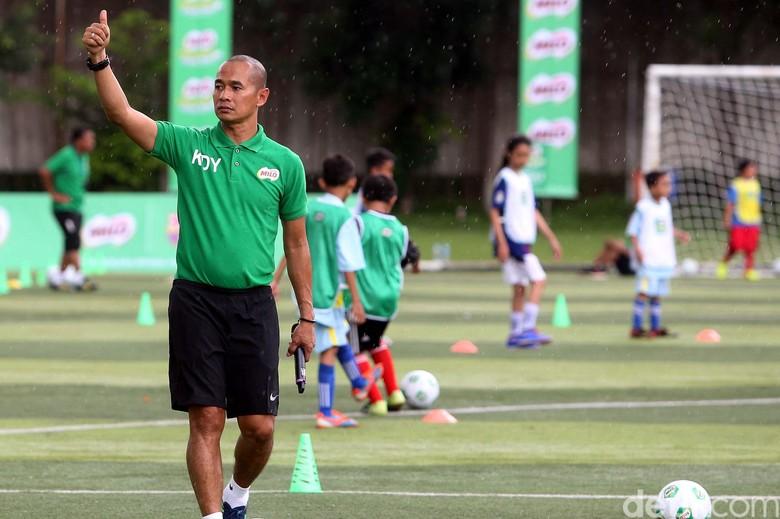 500 Siswa SD Ikuti MILO Football Clinic Day