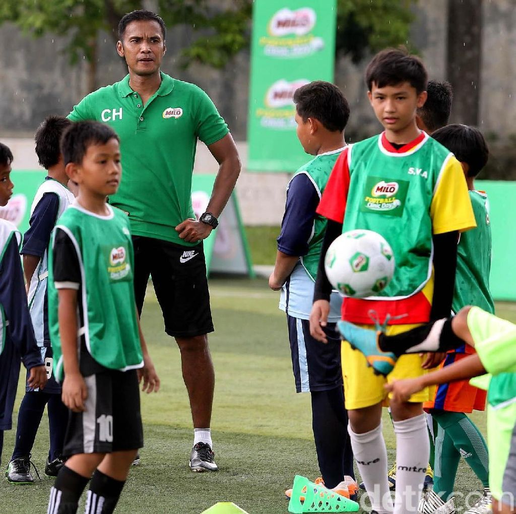 500 Siswa SD Ikuti MILO Football Clinic Day
