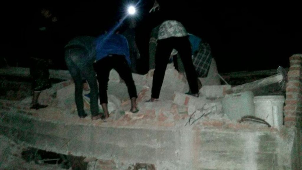Foto: Gempa 6,9 SR di Tasikmalaya Rusak Rumah hingga Sekolah