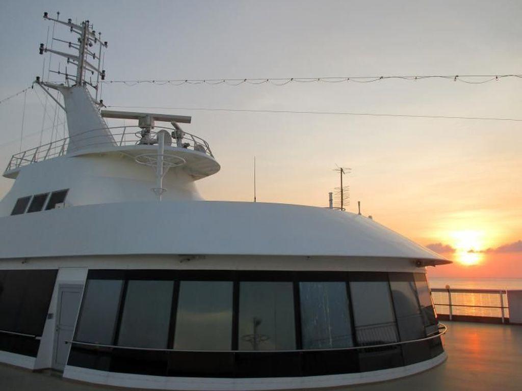 Sunset dari Atas Kapal Pesiar, Begini Indahnya