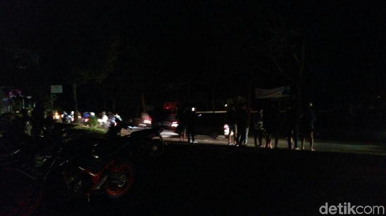 Polisi Evakuasi Warga Pangandaran