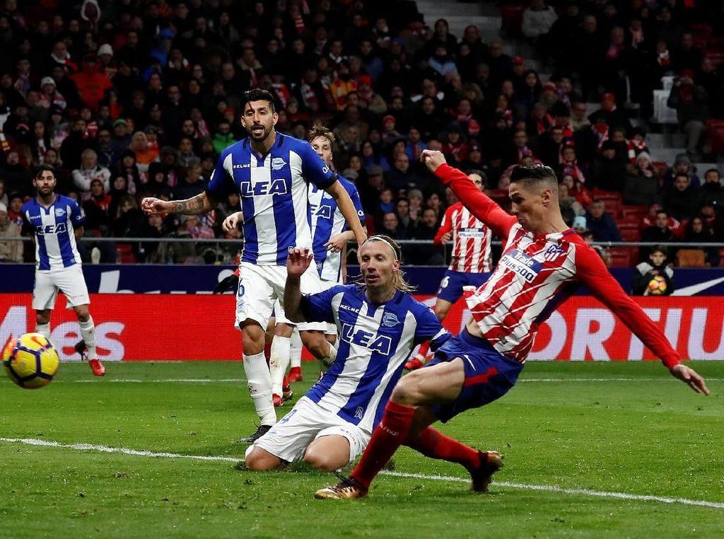 Fernando Torres Bawa Atletico Taklukkan Alaves 1-0