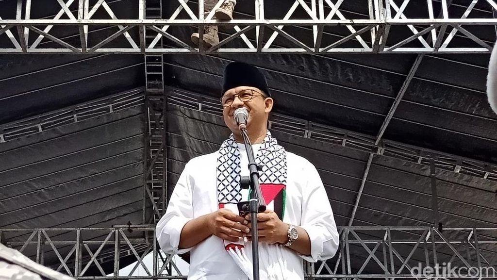 Foto: Saat Anies Baca Puisi dan Berorasi di Aksi Bela Palestina