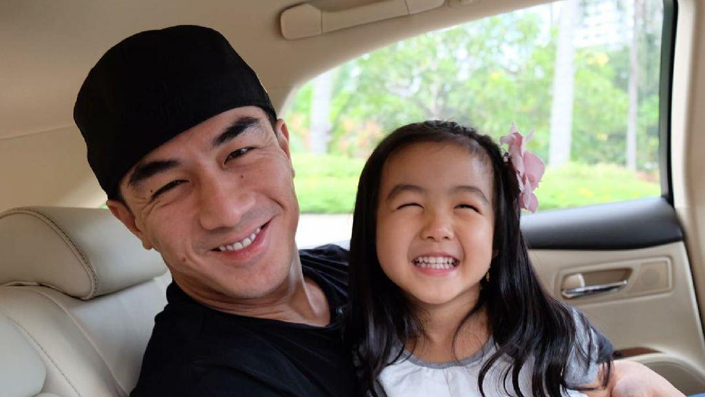 Like Father Like Daughter, Miripnya Joe Taslim dan si Kecil Kaara