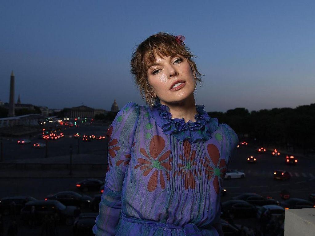 Curhat Milla Jovovich Resident Evil tentang Jadi Ibu Bekerja
