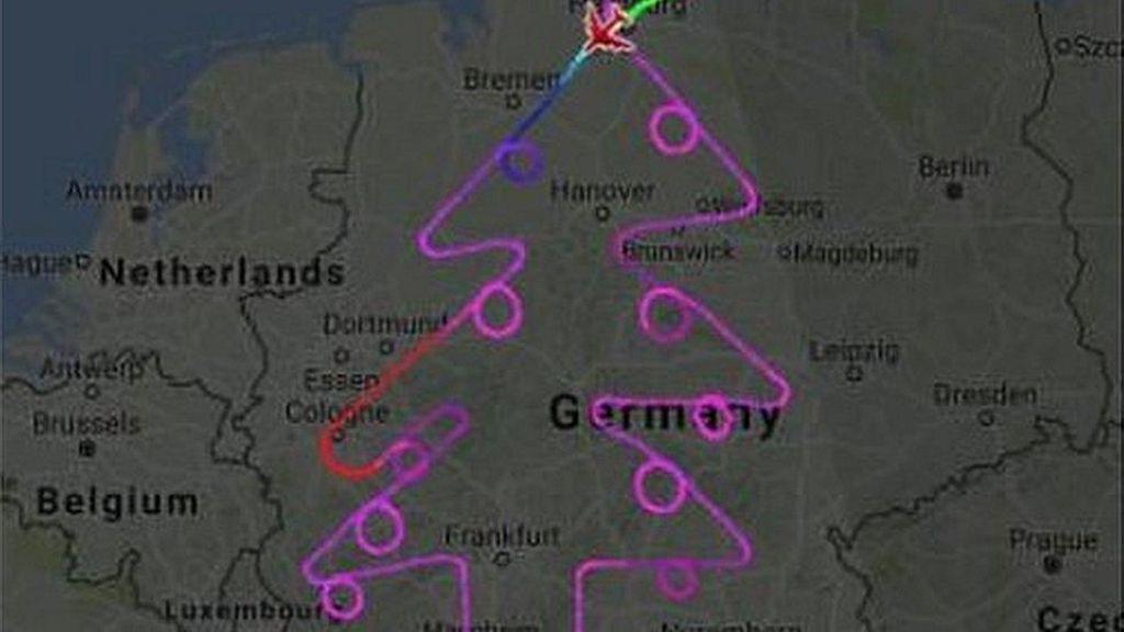 Pesawat Raksasa A-380 Ciptakan Rute Pohon Natal di Angkasa Jerman