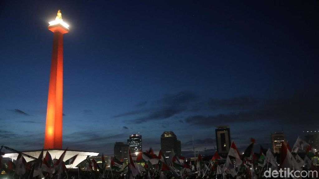 Begini Penampakan Massa Aksi Bela Palestina Saat Kumpul di Monas