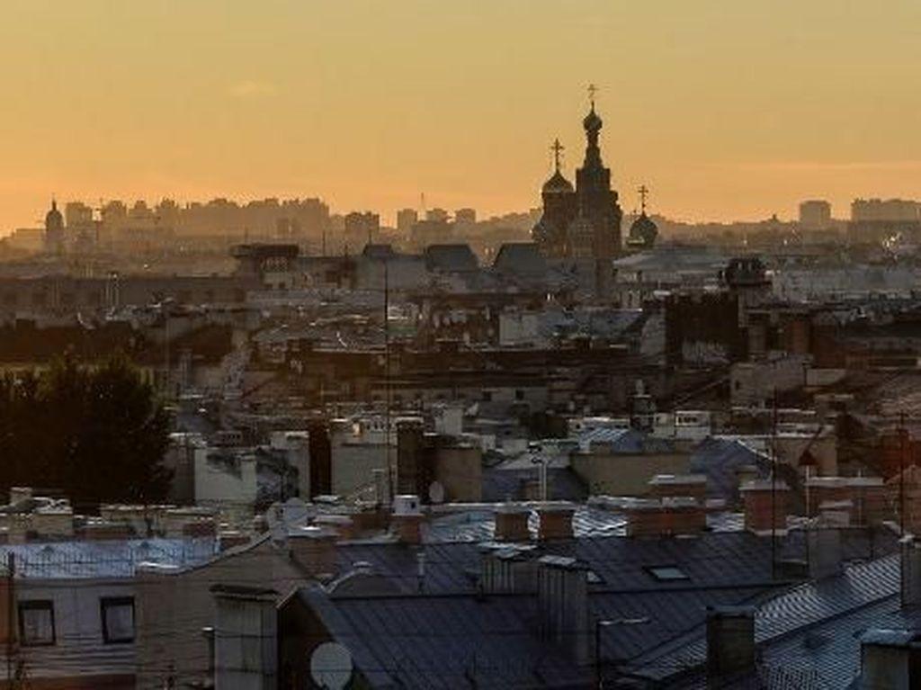 Tiba-tiba, Saint Petersburg Tampak Begitu Indah Untuk Fans Prancis