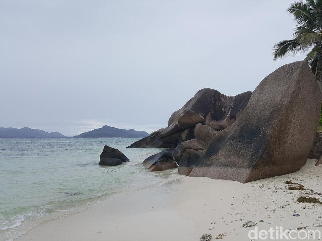 Pantai Batu Granit Paling Indah di Seychelles