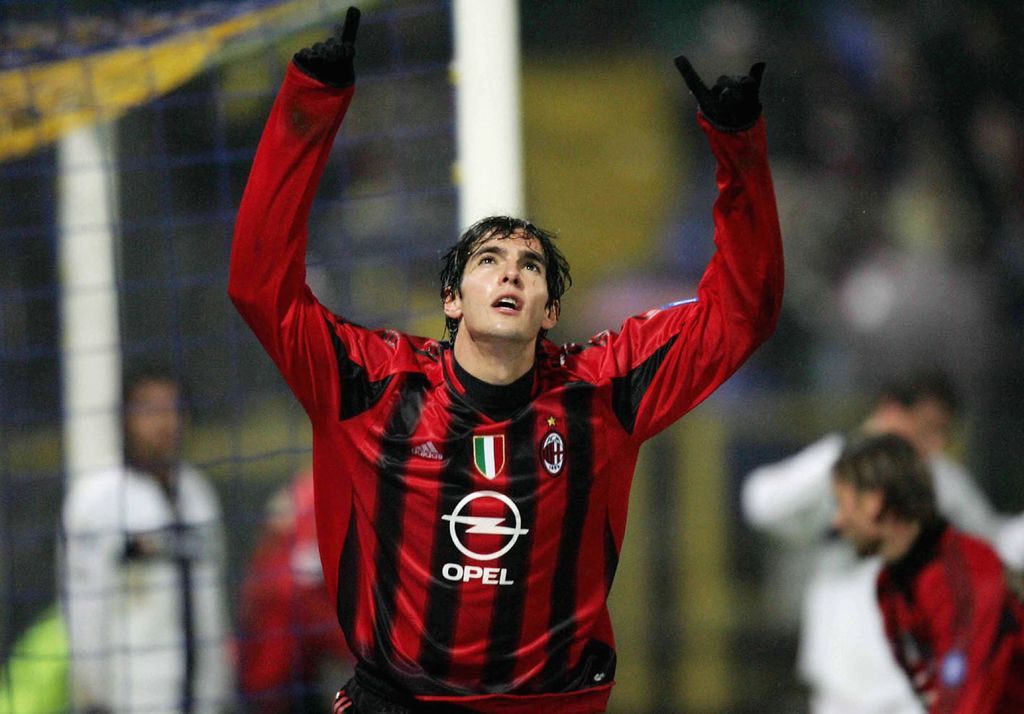 PARMA, ITALY - DECEMBER 4:  Kaka of AC Milan celebrates his 79th minute goal against Parma during Serie A League match between Parma and AC Milan on December 4 2004, in Parma, Italy. (Photo by New Press/Getty Images)