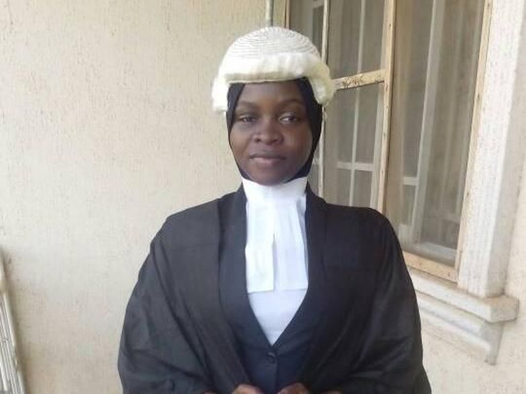 Kisah Viral Wanita Nigeria yang Berhijab tapi Pakai Rambut Palsu