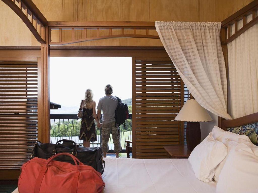 Turis Vs Airbnb: Rumah Dirusak, Sampai Jadi Tempat Pelacuran