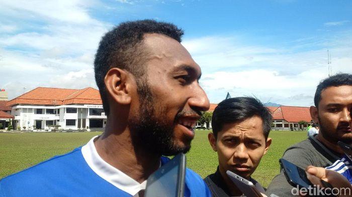 Patrich Wanggai dalam suatu latihan Persib Bandung. (Foto: Mochamad Solehudin/detikcom)