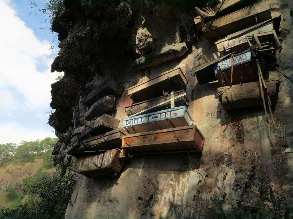 Seperti Toraja, Filipina Juga Punya Makam di Dinding Tebing