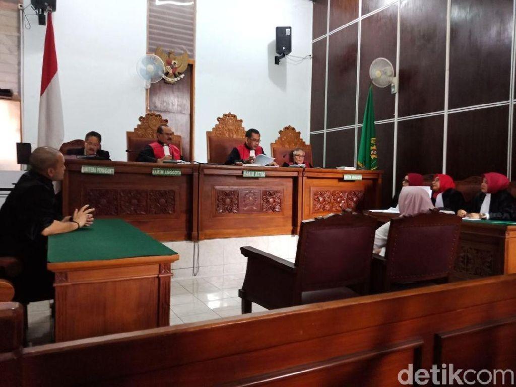 Hakim Tolak Eksepsi Asma Dewi