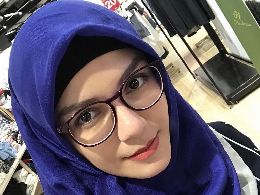 Foto: Cantiknya Nadya Almira, Artis FTV yang Kini Berhijab