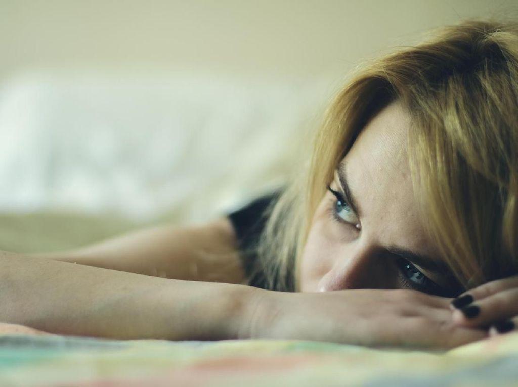 Penyebab dan Cara Mengatasi Kepala Nyut-nyutan Saat Bangun Tidur