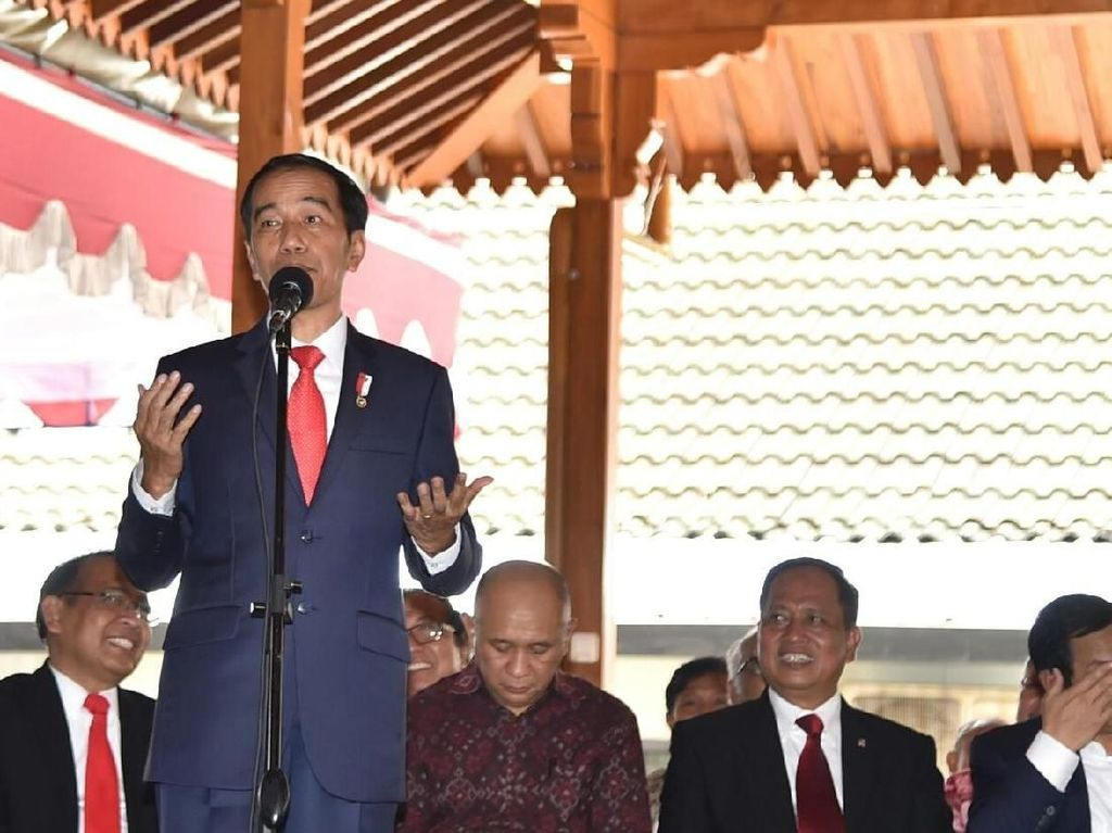 Jokowi Buka Suara Soal Kebijakan Susi Tenggelamkan Kapal Maling Ikan